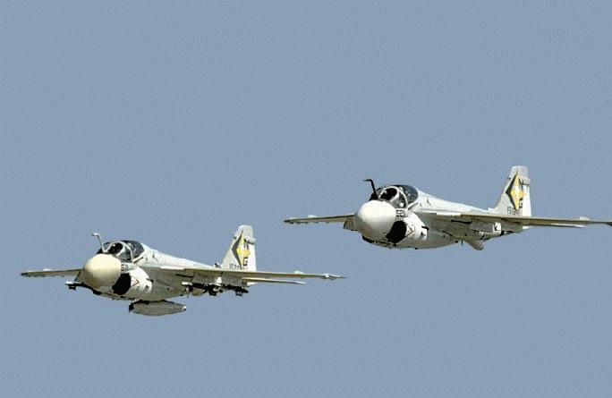 اسرع 50 طائرة في العالم A-6_04-pair