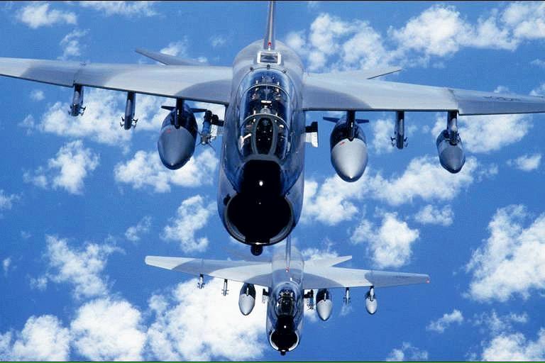 """空军世界 :: 美国海军 A-7 """"海盗II"""" (Corsair II) 攻击机"""