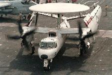 طائرات الاستطلاع و الانذار المبكر Hawkeye 2000 E-2c-dvic204-s