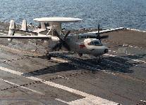 طائرات الاستطلاع و الانذار المبكر Hawkeye 2000 E-2c-dvic206-s