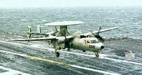 طائرات الاستطلاع و الانذار المبكر Hawkeye 2000 E-2c-tr-hawkeye-s