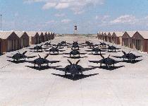 Les ovnis sont-ils des engins, prototypes militaires secrets? - Page 14 F-117-00000004-s