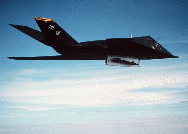 Aviones: F-117
