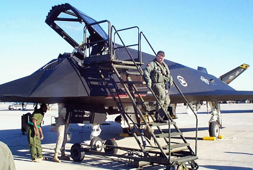 f117a nighthawk military aircraft