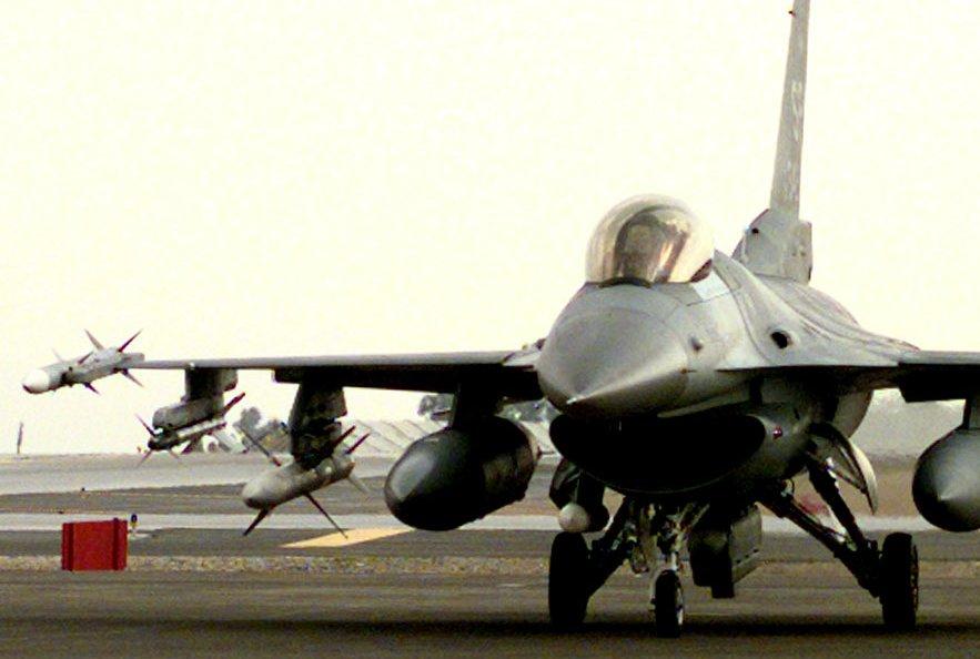 مشتريات المغرب من الأسلحة F-16cj-990111-F-6082P-035