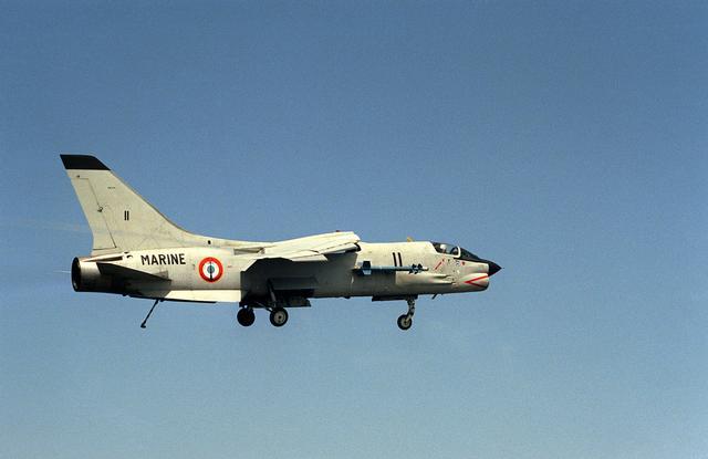French Navy F 8 Crusader Cau De Savigny Lès Beaune