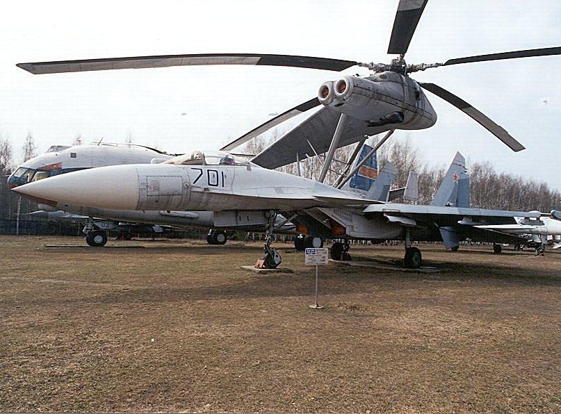 موسوعة الطائرات الروسية Ru_monino_aircraft_su35_03