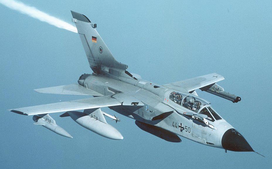 اسرع 50 طائرة في العالم Tornado-frg
