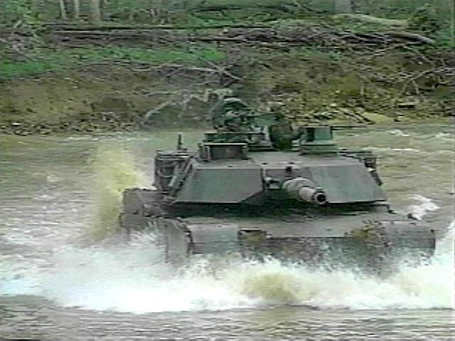 Syark Collection War Model - Page 25 M1A2-in-river