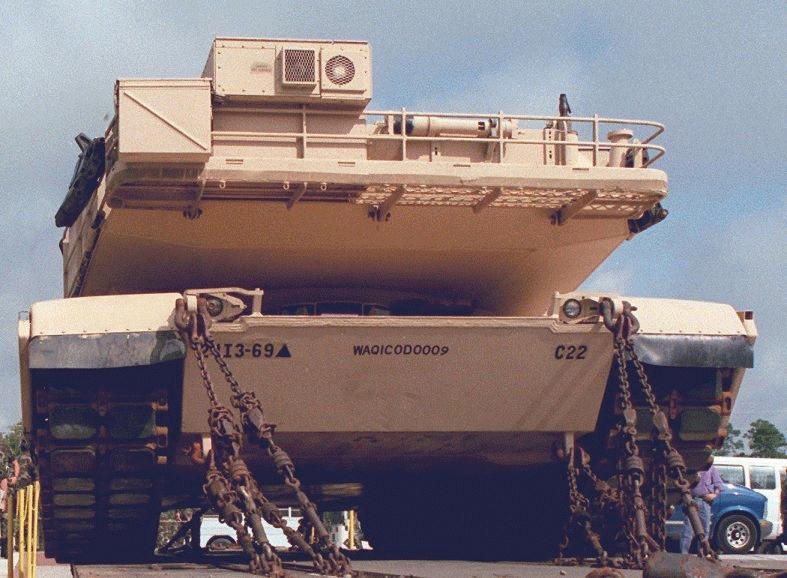 m1a1-tanks-on-rail