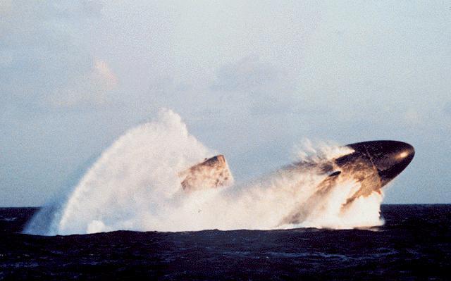 هذة هى اخطر غواصة فى سلاح البحرية الامريكى Ssn-761-p01